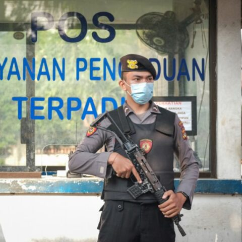 A 27-year-old man named I Gede Sudarma has been arrested by Bali police officers after stealing dozens of laptops from a school in Petang, Badung.