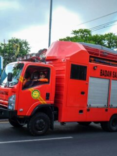 A 34-year-old man named Hugo Gaetan Quentin Houthoofd from France has been rushed to the hospital after getting seriously injured from a blast that occurred inside his house.