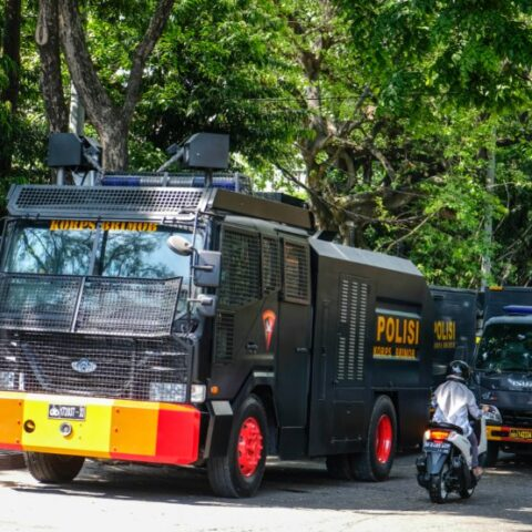 Authorities from Badung Police Department are concerned that the crime rates in Badung could potentially surge as the provincial government has decided to turn off all public lights in the evening during the emergency partial lockdown.