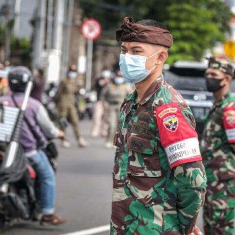 The Bali Military Force in Denpasar has started distributing Covid-19 vaccines to their children from the age 12 to 17 years old on Friday (2/7).