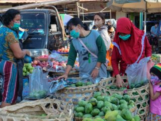 Bali Officials Buy Left Over Food From Vendors And Distribute To Locals In Need