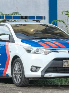 A married couple who have been identified as Alexander Briant Caesar Ivanno and his wife, Gaia Anindya have been arrested after robbing an ATM machine in Bali.