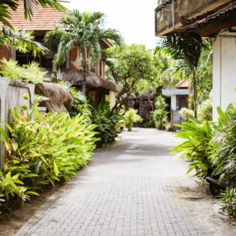 A neighborhood around Jalan Gatot Subroto VI L, Dauh Puri Kaja Village Denpasar has closed their access to the public during self-quarantine.