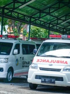 Deputy Chief of Badung Regent, I Ketut Suiasa has been rushed to the hospital during an event at one of the official party's headquarters in Denpasar on Wednesday (30/6).