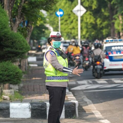 The central government through the Indonesian President has officially announced that the implementation of the emergency partial lockdown has been extended for 5 more days.