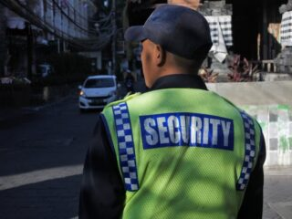 Two women have been arrested after assaulting a guest at a bar in the Kuta area with a beer bottle, causing the victim to suffer serious injury.