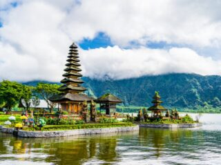 Ulundanu Beratan Temple is one of the most iconic tourist attractions in Bali and they are currently unable to pay their employees salaries due to the emergency partial lockdown.