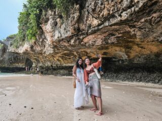 The Indonesian Tourism Minister has banned people from taking selfies without face masks in all tourism areas, including Bali.