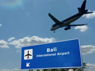 Officials from the Bali Ngurah Rai International Airport have decided to give discounts on landing fees for international airlines.