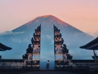 Bali is expected to start receiving Australian visitors in November 2021 as Australian authorities have planned to revoke their travel restrictions.
